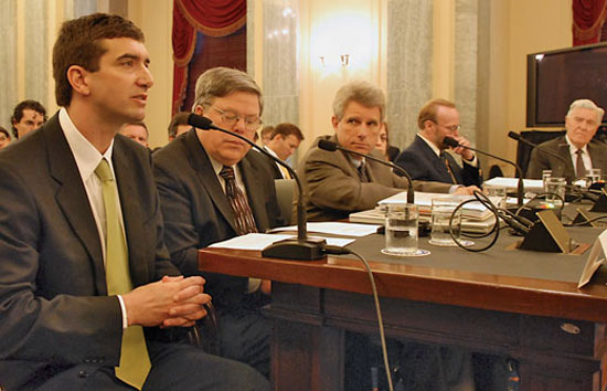 WHOI marine geochemist Scott Doney (left) testifies about ocean acidification before a U.S. Senate Subcommittee on Oceans, Atmosphere, Fisheries, and Coast Guard.
