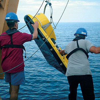 Deployment of a low-frequency broadband imaging sonar overboard.