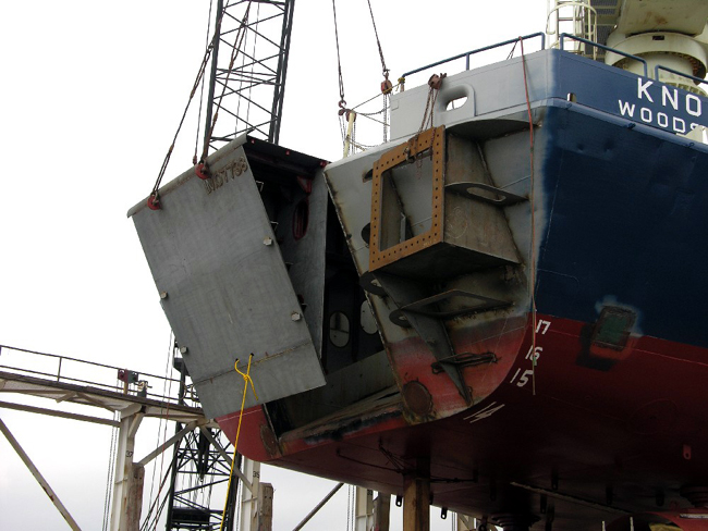 The Stern module being fit.  To starboard, the skeleton and bracing for the Long Core handling Grapple can be seen.