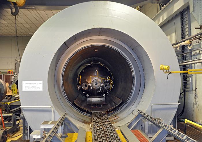 Pressure testing Alvin's new sphere