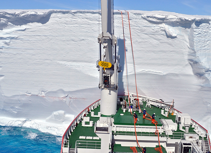 Ice breaker delivers fuel