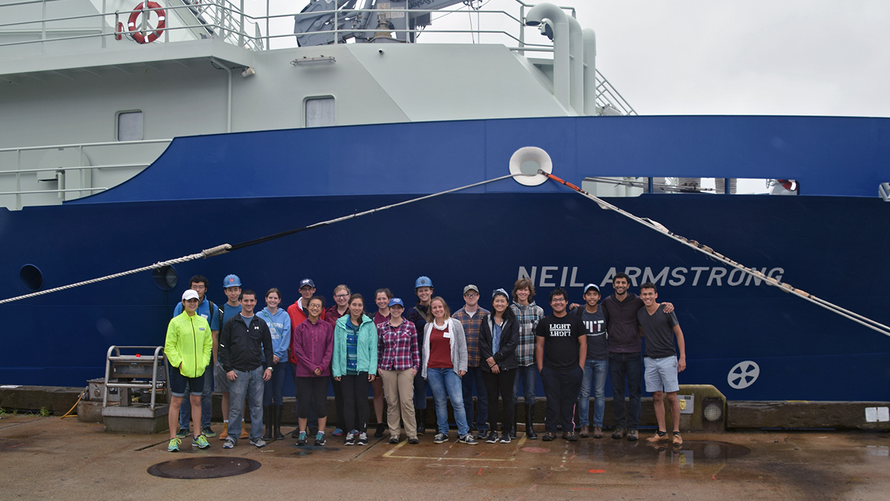 MIT-WHOI Joint Program students