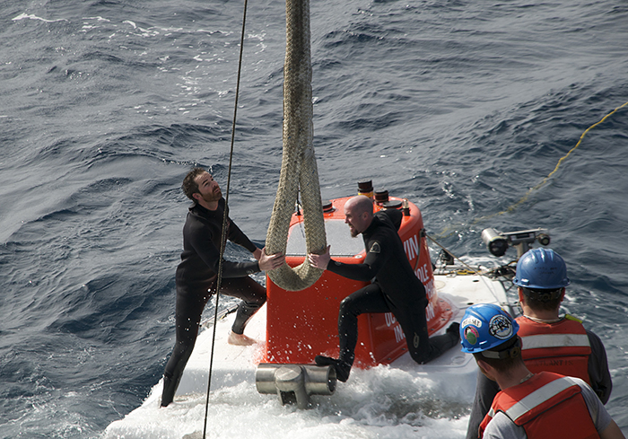 attaching Alvin's lift rope