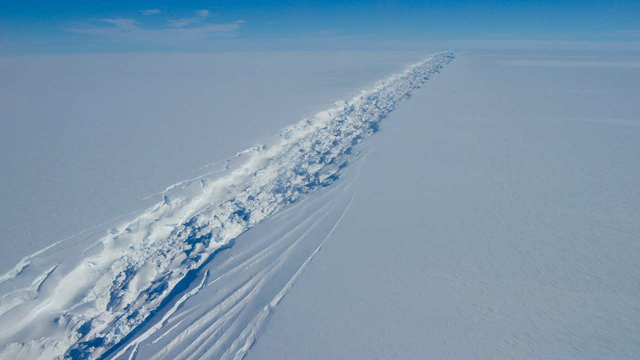 Ross Ice Shelf crack.