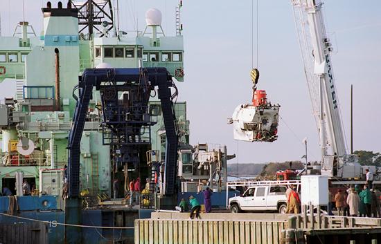 Alvin being taken off Atlantis for overhaul.