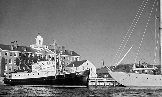 r/v's bear and atlantis at whoi dock