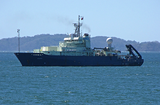 r/v atlantis underway