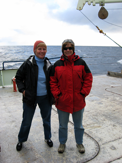 Amy Bower and Kate Fraser on deck of R/V <em>Knorr</em>