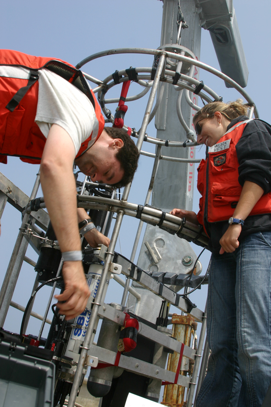 Mark Baumgartner and Melissa Patrician working to deploy a CTD off Tioga.