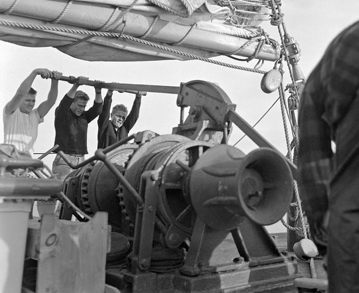 Weighing anchor on Atlantis