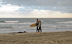 Britt Raubenheimer talks to a surfer