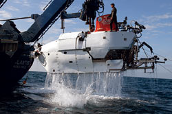 Alvin is recovered aboard research vessel Atlantis