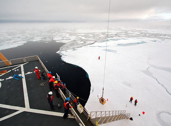 Crew deploy instruments from Healy to the ice