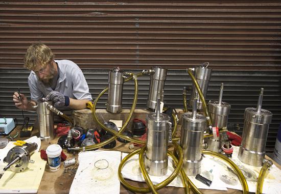 repair of rov jason's thruster motors