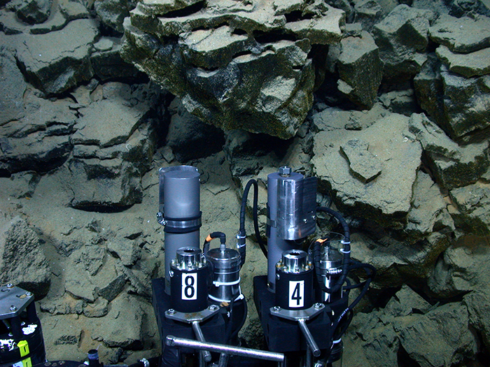 Isobaric gas-tight samplers on ROV Jason