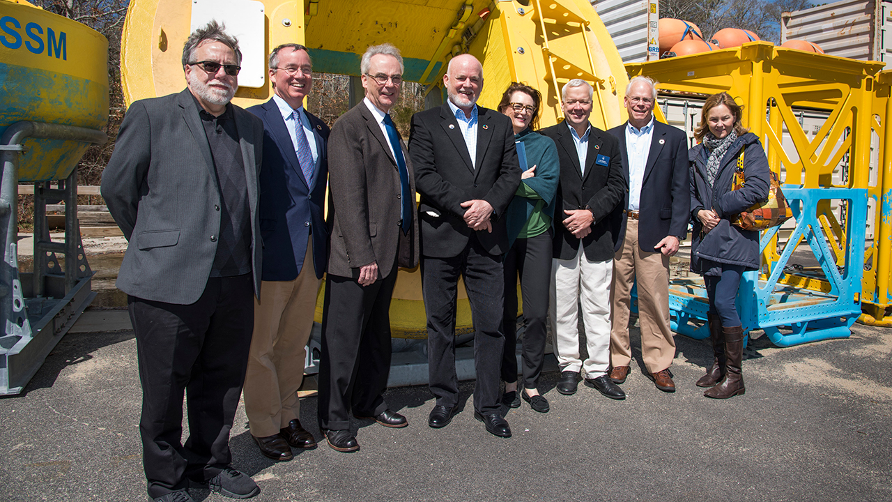 UN PGA Peter Thomson  visits WHOI