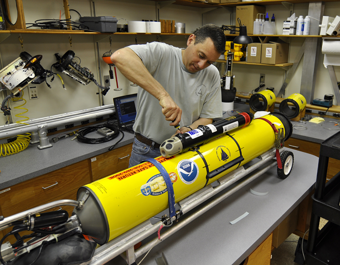 Dave Fratantoni works on a Slocum glider in the lab