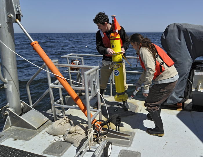 JP students set to deploy a profiling float that will listen for whales