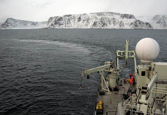knorr away from baffin island