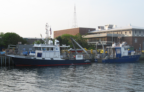 The sister vessels R/V Tioga and R/V Gulf Challenger (UNH) at the WHOI pier.