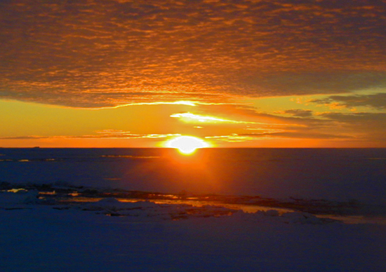 Sunset at 89 degrees North, seen from the USCG icebreaker Healy on approach to the North Pole.