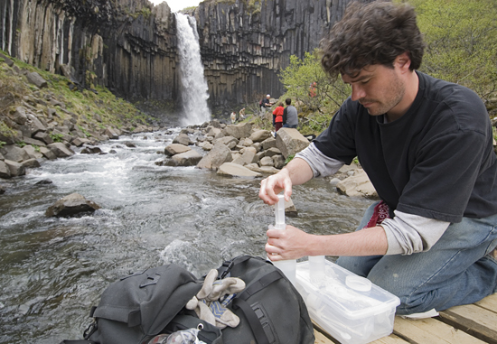 MIT/WHOI Joint Program student Christian Miller water sampling