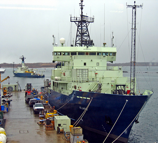 r/v oceanus and r/v atlantis, homeport