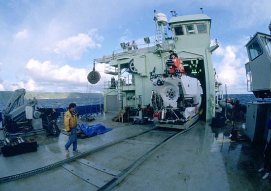 DSV Alvin headed back into its hangar, under the watchful eye of Expedition Leader and Alvin pilot Patrick Hickey.