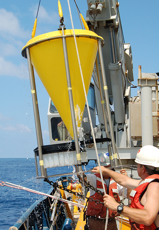 Sediment trap recovery operations