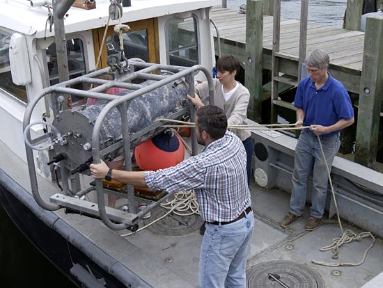 FlowCytobot being loaded onto Mytilus