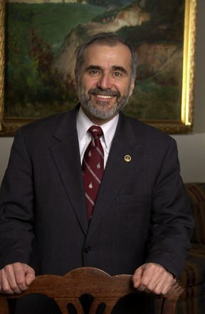 Dr. Robert Gagosian