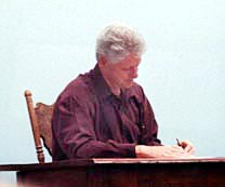 Clinton signing Oceans Act 2000