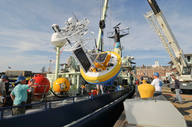 R/V Oceanus loaded with AST2 equipment