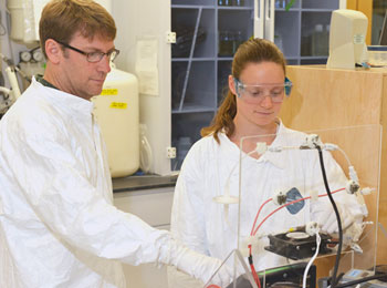 Lamborg and Swarr in the lab