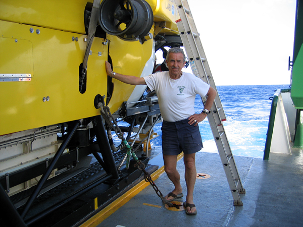 Stan Hart relaxes for a moment before entering the Pisces IV sub to dive into the summit crater of Vailulu'u volcano in March 2005.