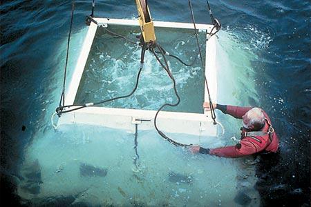 One of LEO's seafloor nodes is deployed.