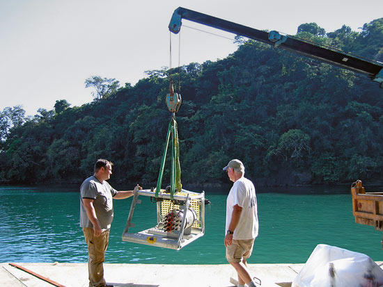 installing ocean observatory off Panama