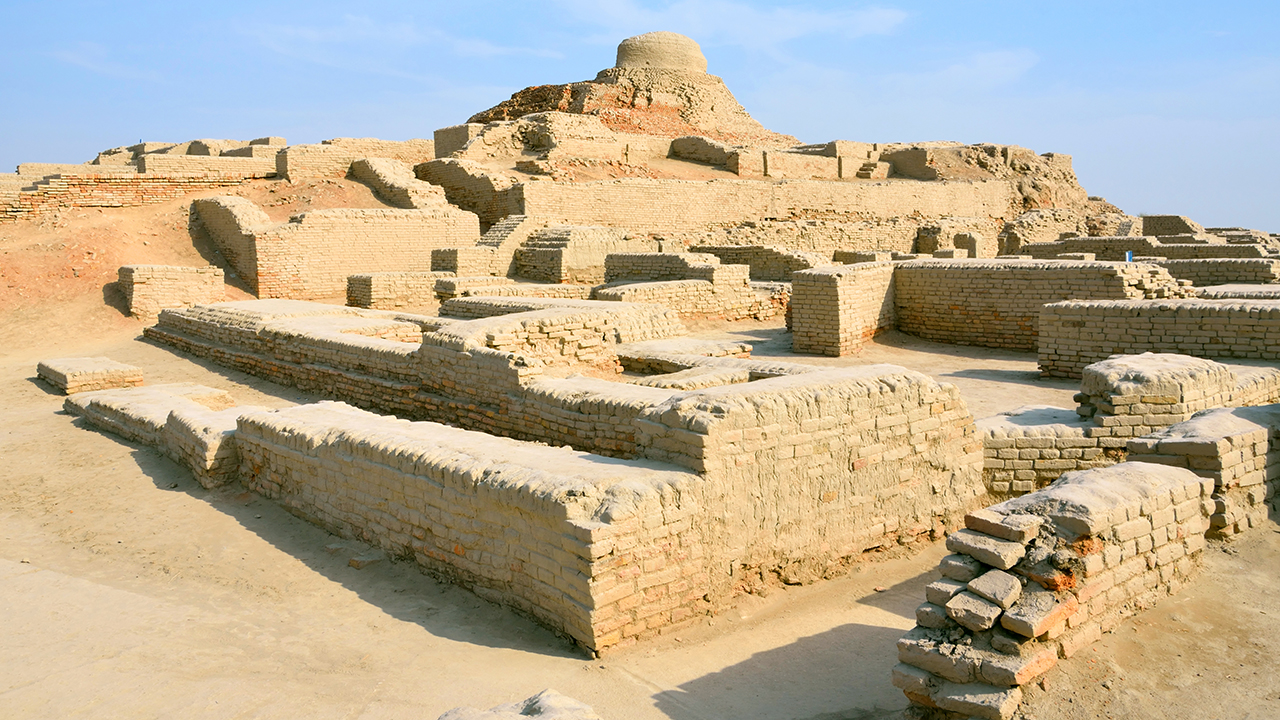 Mohenjo-daro is an ancient Indus Valley Civilization city built around 2600 BCE that was abandoned after 1900 BCE.