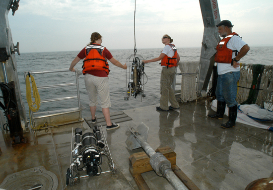 Summer Student Fellows launch a CTD off R/V Tioga in July 2006.