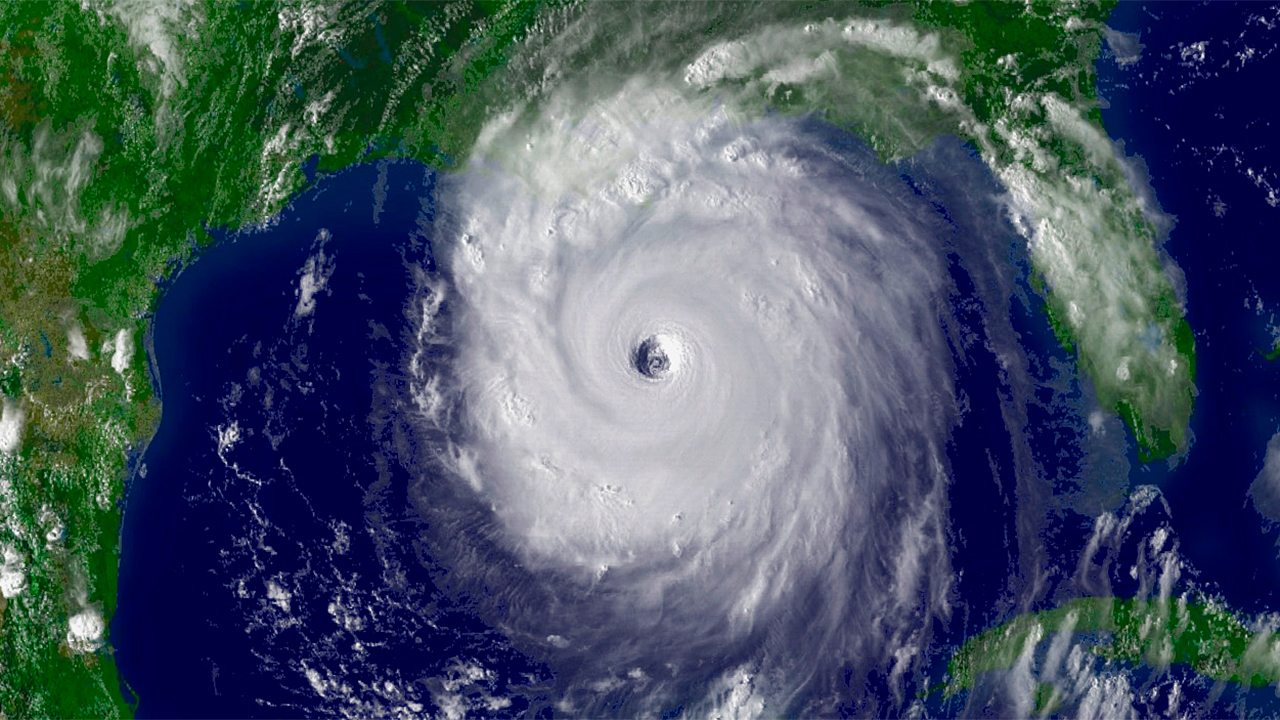 Hurricane Katrina - Special Reports from m Satellite photos after katrina