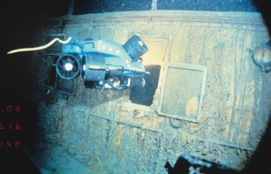 Engineers Honored for Pioneering Undersea Robot
