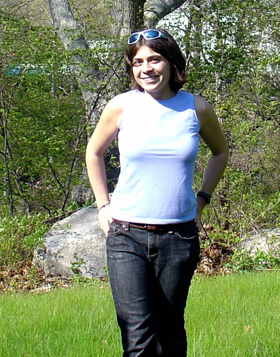 desiree-outside_250_64691.jpg
