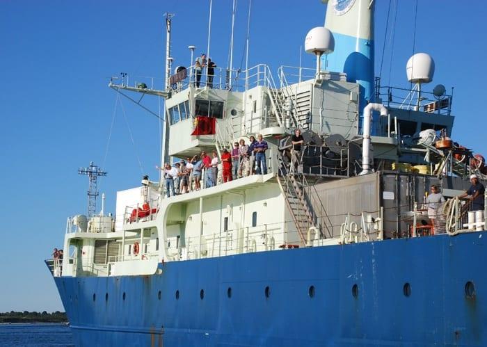 ShipLeaving_700_163473.jpeg