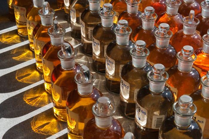 bottles-n_256078.jpg