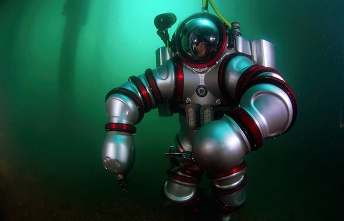 High-tech Dives on an Ancient Wreck