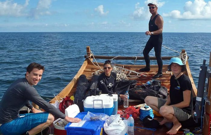 whoi-crew-on-raft_366375.jpg