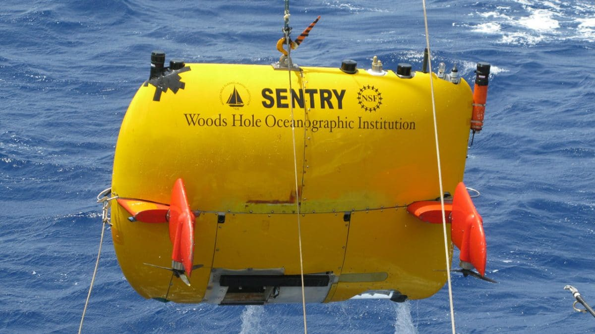 WHOI Assists in Locating El Faro Voyage Data Recorder