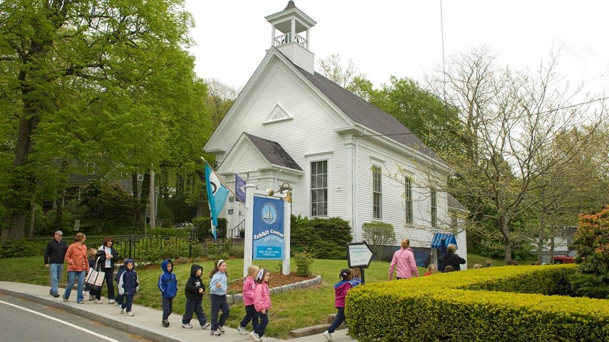WHOI Ocean Science Exhibit Center Opens for 2016 Season