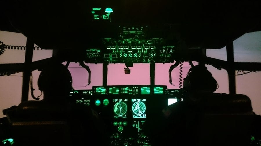 Cockpit_474193.jpg