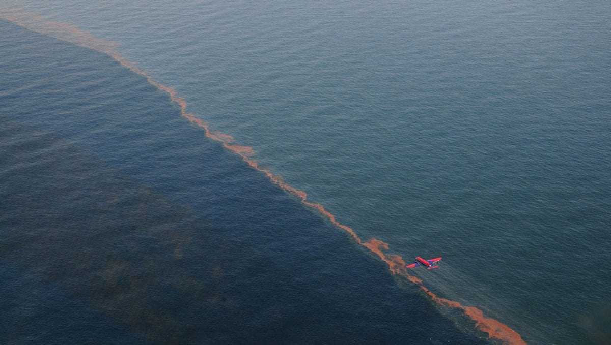 Sunlight Reduces Effectiveness of Dispersants Used in Oil Spills